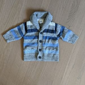 Classic and versatile baby boy Gap sweater